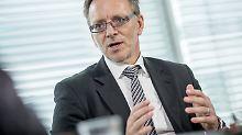 BKA-Chef Münch zu IS-Strategie: Islamisten wollen Flüchtlinge diskreditieren