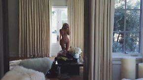 Promi-News des Tages: Kim Kardashian und Kylie Jenner liefern sich freizügiges Kurvenduell