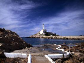 Leuchtturm auf der Illa Grossa, die Hauptinsel der Vulkaninselgruppe Columbretes.