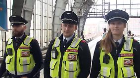 Gewalt gegen Busfahrer und Kontrolleure: Pfefferspray und Körperkameras sollen Bahnmitarbeiter schützen