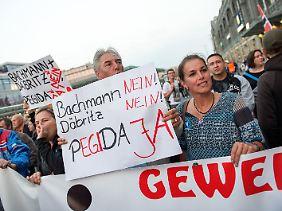 Tatjana Festerling mit ihren Anhängern.