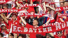 Wie lange trägt dieses Geschäftsmodell? Fans des FC Bayern, mutmaßlich guter Dinge.