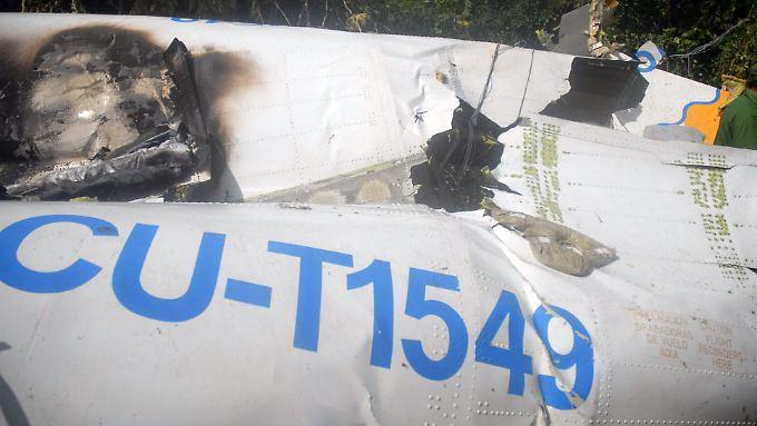 Ein zerstörtes Teil der ATR-72-212.