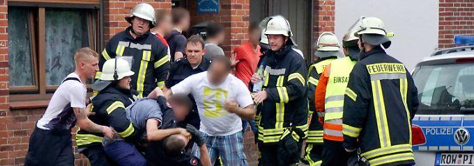 """Eisdielen-Unfall in Bremervörde: Drei """"besonders auffällige Gaffer"""" vor Gericht"""