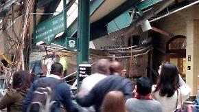 Über 100 Verletzte: Pendler-Zug rast ungebremst in Bahnhof nahe New York