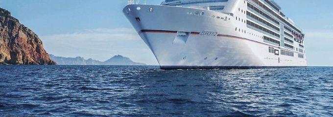 Bei den großen Kreuzfahrtschiffen fahren sie vorne mit: «Europa 2» und «Europa» von Hapag-Lloyd Cruises. Foto: Hapag-Lloyd Kreuzfahrten