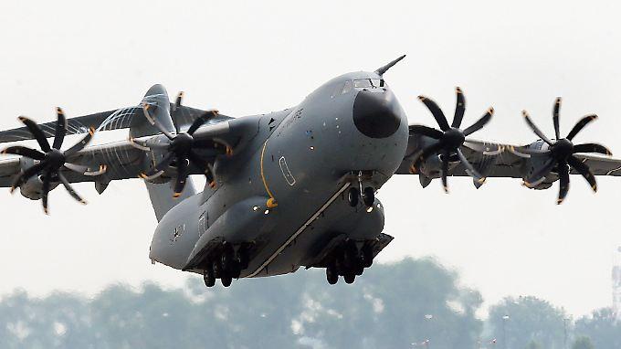 Der A400M bereitet der Bundeswehr sehr viele Sorgen - nun hat sie 13 zusätzliche Exemplare.