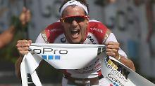 Jan Frodeno nach seinem Ironman-Sieg 2015 auf Hawaii.