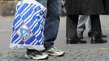 Studie: Einkommenskluft immer größer: Arme bleiben arm, Reiche werden reicher