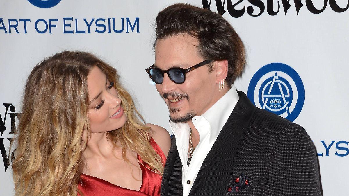 Amber Heards Freundin hilft Johnny Depp