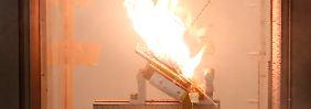 Smartphones bald sicherer?: Molekül-Feuerlöscher stoppt Akku-Brände