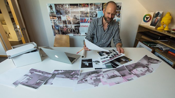 Markus Pretnar vergleicht eine Farbproportion mit einem Straßenpanorama.