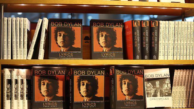 Dylans Songtexte sind jetzt auch als Buch erhältlich.