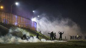 """Helfer fürchten """"Menschenjagd"""": Gewalt in Calais eskaliert vor Lagerräumung"""