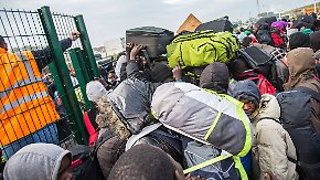 """""""Einzige Chance, die die Flüchtlinge haben"""": Flüchtlingslager von Calais wird geräumt"""