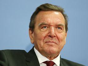 Leitete die Schlichtung: Gerhard Schröder.