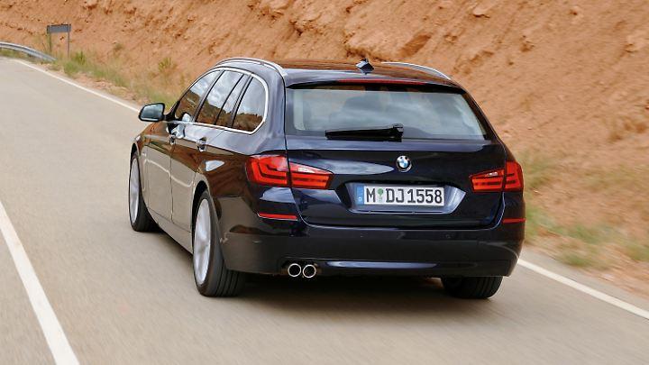 Der BMW5er Touring bietet zwar nicht soviel Platz wie ein Mercedes E-Klasse T-Modell, aber für den Alltagsgebrauch reicht es locker.