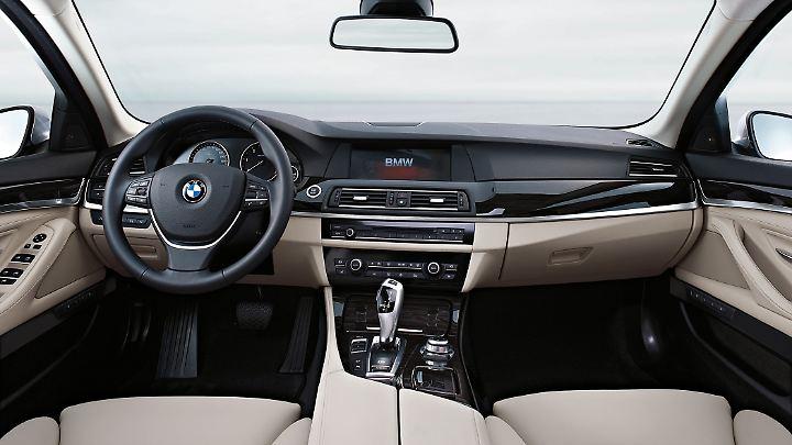 Das Inneleben des BMW 5er nahm mit dem F10 deutliche Anleihen beim höher positionierten 7er.