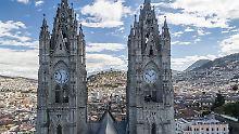 Sonnig, sicher, historisch, modern: Quito - von Vulkanen umgeben