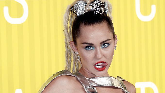 Miley Cyrus ist das jüngste Promi-Opfer eines Hackerangriffs: Nacktfotos von ihr landen im Netz.
