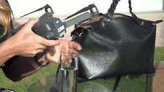 Automatische Personenverfolgung: Klappbare Drohne passt auch in die Damenhandtasche