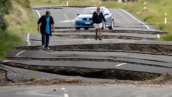 Zwei Menschen sterben: Erdbeben erschüttert Neuseeland und löst Tsunami aus