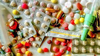 Einflussnahme auf Verschreibung?: Pharmaindustrie zahlt 71.000 deutschen Ärzten Geld