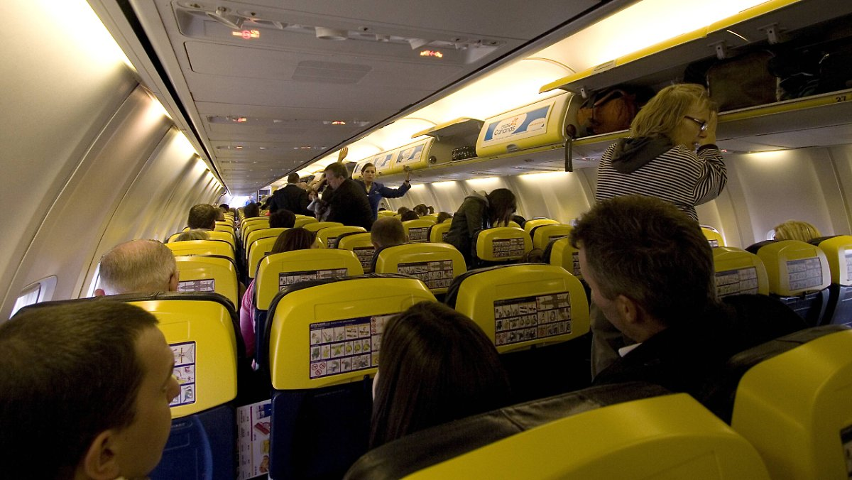 lukrative extras so kassieren airlines bei ihren kunden n. Black Bedroom Furniture Sets. Home Design Ideas