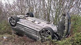 Fast zeitgleiche Diebstähle in NRW: Zwei Autodiebe verunglücken bei wilden Verfolgungsjagden
