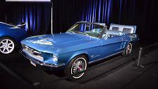 Leider konnte zu den Autos wenig in Erfahrung gebracht werden. So auch zu diesem Mustang Cabrio, das wohl Ende der 60er Jahre gebaut wurde.