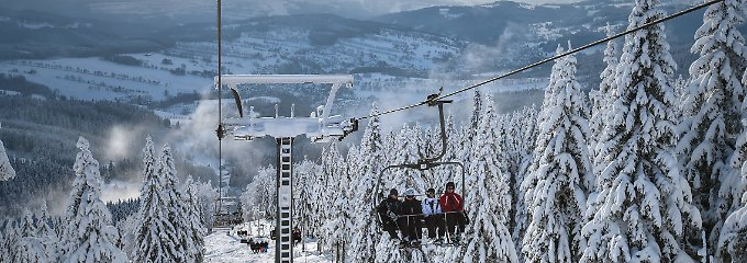 Winterurlaub im Preis-Check: Welche Skigebiete sind die günstigsten?
