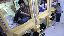 """Bloß nicht klaustrophobisch werden: Die Zwei-Meter-Kapsel als """"Hotelzimmer"""""""