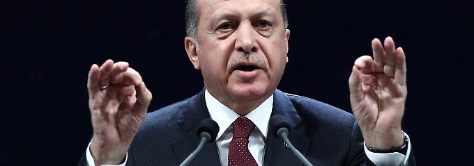 Nach Votum des EU-Parlaments: Erdogan droht EU mit Grenzöffnung für Flüchtlinge