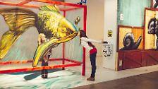 Den Besuchern bietet sich jedoch die Möglichkeit des Kennenlernens, des Abbaus von Vorurteilen. Und der Spaß, Kunst spielerisch zu erobern - …