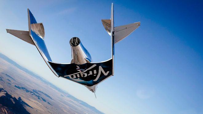 Zwei Jahre nach SpaceShipTwo-Absturz: Virgin Galactic lässt neues Raumschiff gleiten