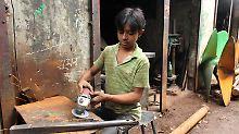 """Auch für westliche Firmen: Kinderarbeit in Dhaka """"riesiges Problem"""""""