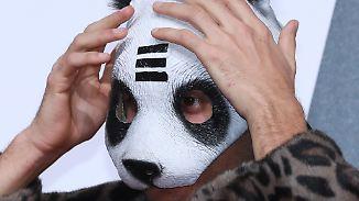 Promi-News des Tages: Das hat Cro mit seiner Pandamaske vor