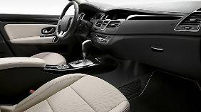 Bei der Ausstattung lässt sich Renault nicht lumpen: 16-Zoll-Leichtmetallfelgen, MP3-Radio und Lederlenkrad.