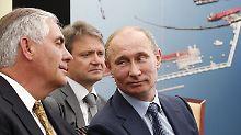 Rex Tillerson (links) bei einer früheren Begegnung mit Wladimir Putin.