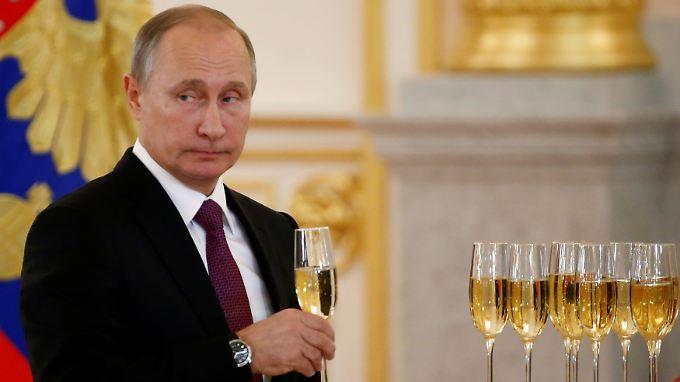 Seit vier Jahren ist keiner mächtiger als er: Wladimir Putin.