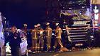Bei seiner Fahrt reißt der Lkw laut Polizei mindestens neun Menschen in den Tod.