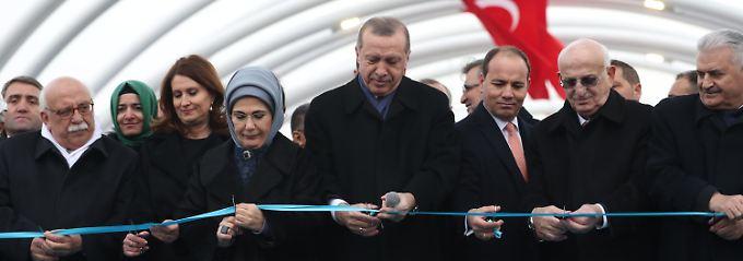 Erdogan eröffnete den Tunnel persönlich.