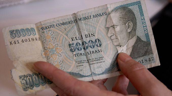 Die Lira hat in diesem Jahr zum Dollar 17 Prozent abgewertet.