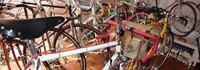 Die Sammlung an Rennrädern hat bei Wolfgang Hagemann inzwischen ein beachtlichen Umfang.