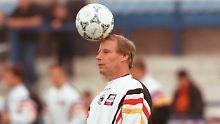 Berti Vogts, hier vor dem EM-Triumph 1996, wird 70 Jahre alt.