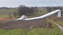 Masten umgeknickt, Rotor gebrochen: Experten untersuchen Windradunfälle