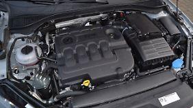 Der Vierzylinder Diesel mit 150 PS treibt auch den Superb ausreichend flott voran.
