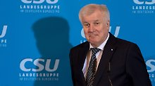 Mit der CDU im Ring: Wie lange haut Seehofer noch drauf?