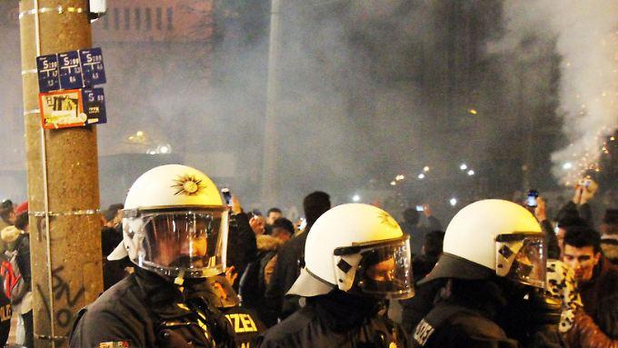 Polizisten an Silvester in Dortmund: Zu ungewöhnlichen Szenen kam es laut den Beamten nicht.