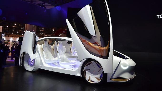 Die futuristische Studie concept-i von Toyota macht nicht nur optisch etwas her. In ihr wohnt auch Yui.